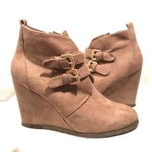 ⭐️Like New - Restricted - Khaki Wedge Booties